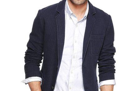 популярностью у современных мужчин пользуются спортивные пиджаки или блейзеры.